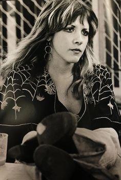 Stevie Nicks Witch, Stevie B, Stevie Nicks Pictures, Jason Beghe, 70s Glam, Lindsey Buckingham, Stevie Nicks Fleetwood Mac, Beautiful Goddess, Pictures Of People