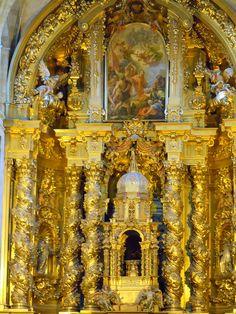 Quizás sea éste uno de los retablos por excelencia del tardobarroco español. Lo realizó José de Churriguera en 1693 , y sirvió como modelo canónico para todo el siglo XVIII. Retablo | Palios