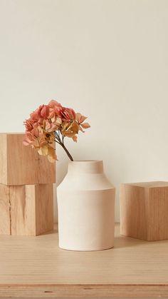 Vase, Feeling Happy, Real People, Creme, Home Decor, Minimalist, Decoration Home, Room Decor, Happiness