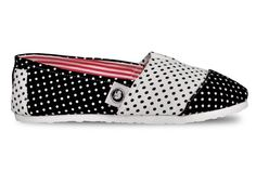 Ombu classic Eco-friendly Women Shoes.  Super Light construction Espadrilles Black and white dots gabardine upper. Red and white lines inside. Ombu soft ecological leather insole and white rubber sole.