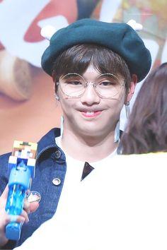 Wanna-One - Kang Daniel Daniel 3, Prince Daniel, Jinyoung, Beautiful Fantasy Art, Ha Sungwoon, Street Dance, Boy Art, 3 In One, Jay Park