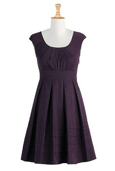 eShakti pleated cotton poplin dress - This.. ladies and gents.. is my dream dress.. right. here. The color is absolutely to die for and I adore the shape. This *needs* to come live in my closet.