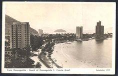 São Vicente - Praia do Gonzaguinha na Baia de São Vicente. À direita o Edifício Grajaú e ao fundo a Ilha de Urubuqueçaba. O registro foi feito do alto do Edifício Gaudio.