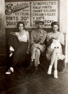 1940s fashion – source unknown.