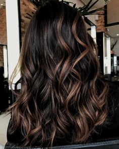 60 Chocolate Brown Hair Color Ideas for Brunettes Chocolate and Caramel Balayage Hair Caramel Balayage Highlights, Brown Hair Balayage, Brunette Highlights, Brown Blonde Hair, Blonde Balayage, Color Highlights, Chunky Highlights, Highlights For Brunettes, Brunette Color