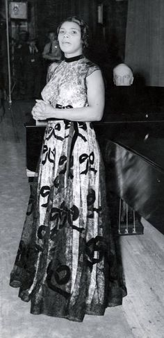 Cantante y activista Marian Anderson, Lace Skirt, Goth, African, Singer, Fashion, Templates, Vestidos, Singers