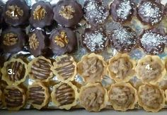 Picture of Recept - Košíčky všeho druhu od Anetky Christmas Baking, Christmas Cookies, Czech Recipes, Organic Matter, Keto Bread, Graham Crackers, Mini Cakes, Creative Food, Waffles