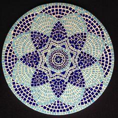 """140 curtidas, 4 comentários - Selma Ozen Mosaics (@selmaozenmosaics) no Instagram: """"Mosaic Mandala 50x50cm #mandala #mosaic#mosaics#mosaico #mozaik#mosaique #art#arte #artwork #design…"""""""