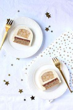 Une recette de Bûche de Noël à la vanille, poire et noisette : légère et fruitée - Un pas à pas expliquée sur le site Gourmandiseries.fr