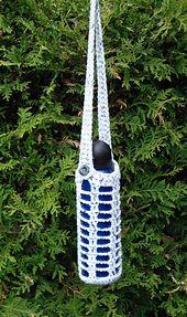 Square Mesh Water Bottle Holder - free pattern from Right Brain Crochet