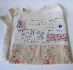 cross body bag by hens teeth, via Flickr