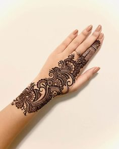 Cute Arabic Mehndi Designs 2020 with Videos for Hands Simple Henna Art, Simple Arabic Mehndi Designs, Eid Mehndi Designs, Mehndi Designs For Girls, Mehndi Design Photos, Beautiful Henna Designs, Mehndi Book, Mehandi Design For Hand, Mehndi Style