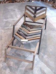 Found a website with a couple of pallet projects I have never seen. Very exciting.