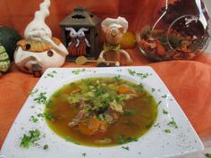 Soep: heldere kwartelsoep met groenten en gerookte spekblokjes is een lekker recept, Een soepje uit de doos van onze sloebers oktober 2016