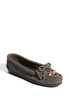 Free shipping and returns on Minnetonka 'Thunderbird II' Moccasin at Nordstrom.com. A sleek, sophisticated design updates a favorite moccasin cut from ultrasoft suede and finished with iconic beading.