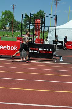 Reduce Weight Now Reebok Crossfit, Crossfit Games, Reduce Weight, How To Lose Weight Fast, Easy Weight Loss, Physical Fitness, A Team, Fitness Tips, Athlete
