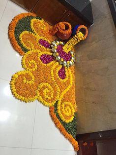 These New Year rangoli designs may not be as detailed as Sankranti rangoli designs or Diwali rangoli or even the themed ones like Ganesh rangoli, and so on. Rangoli Designs Flower, Rangoli Patterns, Colorful Rangoli Designs, Rangoli Ideas, Rangoli Designs Diwali, Rangoli Designs Images, Diwali Rangoli, Flower Rangoli, Beautiful Rangoli Designs
