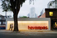Espaço Havaianas / Isay Weinfeld