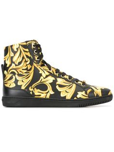 VERSACE Barocco hi-top sneakers. #versace #shoes #巴洛克高帮板鞋