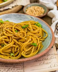 Hibachi Noodles, Chili Garlic Sauce, Toasted Sesame Seeds, Vegetable Stock, Noodle Recipes, How To Cook Pasta, Whole Food Recipes, Vegan, Dishes