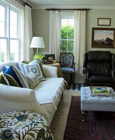 Gracious Farmhouse: Living Room
