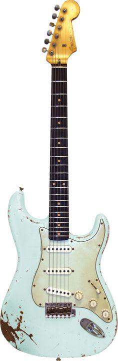Make'n Music MVP 1960s Stratocaster® - Masterbuilt Sonic Blue