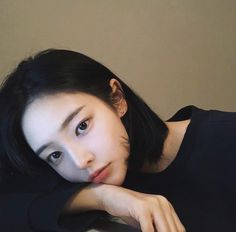 Image shared by 地獄 少女. Find images and videos about girl, cute and black on We Heart It - the app to get lost in what you love. Mode Ulzzang, Ulzzang Korean Girl, Cute Korean Girl, Ulzzang Short Hair, Korean Short Hair, Korean Beauty, Asian Beauty, Uzzlang Girl, Girl Short Hair