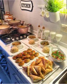 Food Table Decorations, Breakfast Potluck, Romantic Breakfast, Food Crush, Food Platters, Weird Food, Aesthetic Food, Iftar, Turkish Recipes