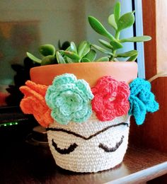 Community Boards Crochet Toys Things To Sell Crochet Projects Free Pattern Projects To Try Crochet Patterns Projects Amigurumi Doll Crochet Cozy, Love Crochet, Crochet Flowers, Doilies Crochet, Crochet Decoration, Crochet Home Decor, Crochet Plant Hanger, Flower Pots, Crochet Projects