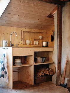 Tiny House Kitchen Ideas - Pick your favorite tiny house kitchen by leaving a remark at the end of this post. Which among these tiny kitchens will obtain all the votes? Home Renovation, Home Remodeling, Home Decor Signs, Cheap Home Decor, Küchen Design, House Design, Interior Design, Cheap Houses, Inspiration Design