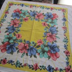 VINTAGE COTTON TABLECLOTH PRETTY CHIC FLORAL SQUARE SUPPER 1960S UPCYCLE RETRO