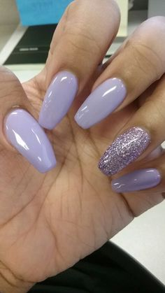 There are three kinds of fake nails which all come from the family of plastics. Acrylic nails are a liquid and powder mix. They are mixed in front of you and then they are brushed onto your nails and shaped. These nails are air dried. Light Purple Nails, Purple Acrylic Nails, Best Acrylic Nails, Light Colored Nails, Acrylic Art, Acrylic Nails For Holiday, Lilac Nails With Glitter, Nails Acrylic Coffin Glitter, Acrylic Nail Designs For Summer