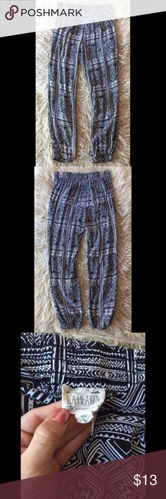 LA Hearts black and white tribal parachute pants Parachute/harem style pants from Pacsun. Like new condition. Worn only once and are now too big on me :( La Hearts Pants