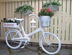 Built In Outdoor Planter Ideas And DIY Projects 39 Bycicle Vintage, Bycicle Woman Bike Planter, Planter Boxes, Planter Ideas, Planter Garden, Herb Garden, Outdoor Planters, Diy Planters, Outdoor Projects, Garden Projects