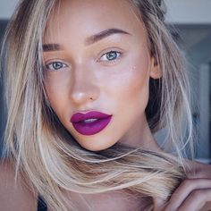 The beautiful @liza_lash achieving the perfect strobing & highlighting look with our Instaglam Highlighter! Apply to the tops of the cheek bones, under the brow & down the nose for an illuminated finish ✌️✌✌ #Rodial #Highlight #Strobing #Beauty #MUA #Bbloggers