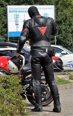 Leather Men, Leather Pants, Bike Leathers, Motorcycle Suit, Uniform Design, Nice Asses, Firefighter, Mens Fashion, Bikers