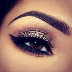 Eyebrow shaping for tattooing