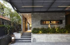 Elegant Interior With Industrial Elements: Y House in Singapore by ONG