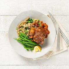 Tuscan Braised Short Ribs with Spinach & Mushroom Farro Pilaf - Canadian Beef Spinach Stuffed Mushrooms, Stuffed Peppers, Braised Short Ribs, Beef Short Ribs, Steamed Green Beans, How To Cook Mushrooms, Fruits And Veggies, Beef Recipes