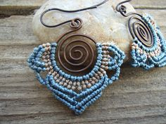 Macrame earrings with copper wire