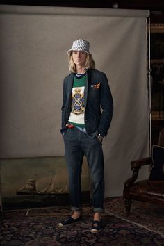 Polo Ralph Lauren Spring 2019 Menswear Fashion Show Collection: See the complete Polo Ralph Lauren Spring 2019 Menswear collection. Look 32 Mode Lookbook, Fashion Lookbook, Preppy Boys, Ivy League Style, Fashion Show Collection, Mens Clothing Styles, Apparel Clothing, Trendy Fashion, Fashion Ideas