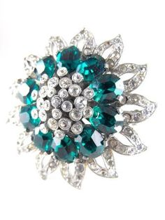 Retro Brooch Superb Floret Gorgeous Green by hipcricket on Etsy #vogueteam #vintage #jewelry