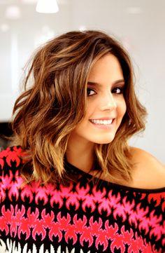 Os cortes de cabelo médio são super versáteis, femininos e modernos. Escolha o seu e fique ainda mais linda!