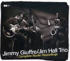 Complete Studio Recordings - Jimmy Giuffre /Jim Hall Trio | Opgenomen rond 1950, een vorm van zeer geconcentreerde jazz, bijna kamermuziek. Giuffre speelt klarinet, tenor en baritonsax, Jim Hall is gitarist. Werkten ook mee: verscheidene bassisten en de geweldige trombonist Bob Brookmeyer. Geen drum, wat hier de uitgelijnde intensiteit nog versterkt. http://zoeken.antwerpen.bibliotheek.be/detail/Jimmy-Giuffre-1921-2008/Complete-studio-recordings/Cd/?itemid=|library/marc/vlacc|7208809