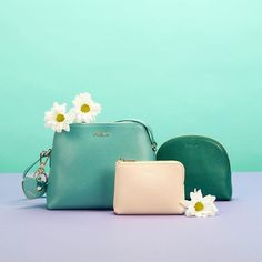 Celebrating Spring!  Discover Furla colourful bags & accessories for Mother's Day  #furlafeeling #fashion #accessories #mothersday #daisys