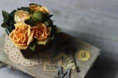 Megu x Mini, gorgeous dollhouse miniature florals