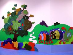 Tactile Experiences for kids - Mural Sensory Art, Sensory Rooms, Sensory Boards, Murals For Kids, Art For Kids, School Murals, Class Decoration, Special Needs Kids, Kids Playing