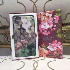 オシャレ系きれいなiPhone7s/8/iPhone7 Plusケース!素敵な女子力高いデザインのスマホケースをチェックしよう。 iPhoneからXperiaまで幅広く対応、カラフルきらきら大人気☆ 毎日新品追加!キレイな携帯カバーを満喫しましょう!