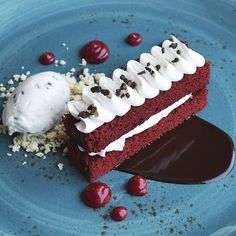 Enjoy a wide variety of dining options, including Portico by Fabio Viviani, Farmers Market Buffet, and more. Farmers Market, Bon Appetit, Red Velvet, Buffet, Drink, Eat, Desserts, Food, Tailgate Desserts