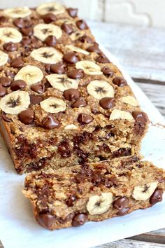 Pan de banana con chips de chocolate sin harina de 4 ingredientes The BakerMama Chocolate Fit, Chocolate Chip Banana Bread, Flourless Chocolate, Flourless Bread, Chocolate Chips, Oat Flour Banana Bread, Clean Banana Bread, Protein Banana Bread, Peanut Butter Banana Bread